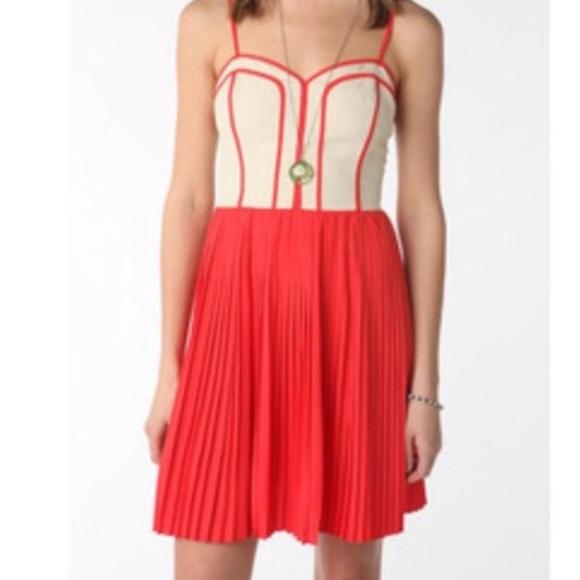 7e5663747e Urban Outfitters Coincidence+Chance Pleated Dress.  M_5a4e6f4ef9e501494a012b30